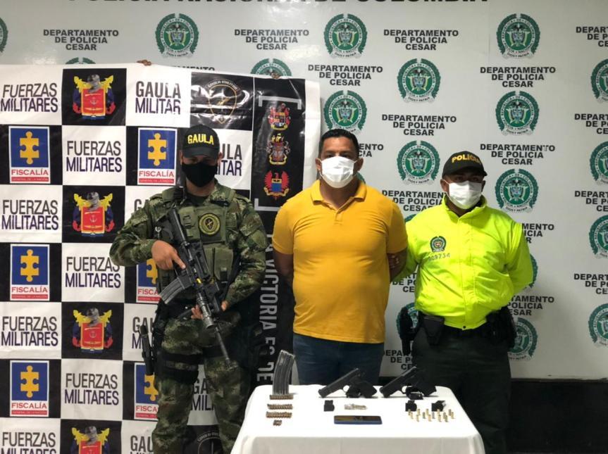 En allanamiento incautan armas y capturan a sargento (r) delEjército